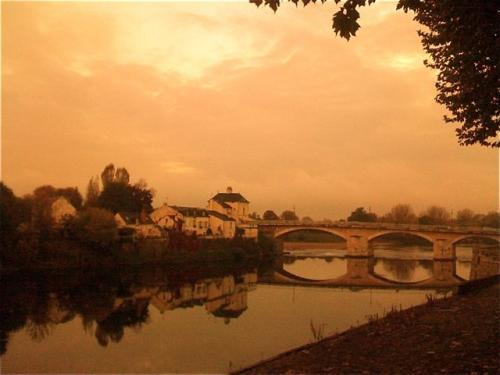 france_chinon-bridge500.jpg